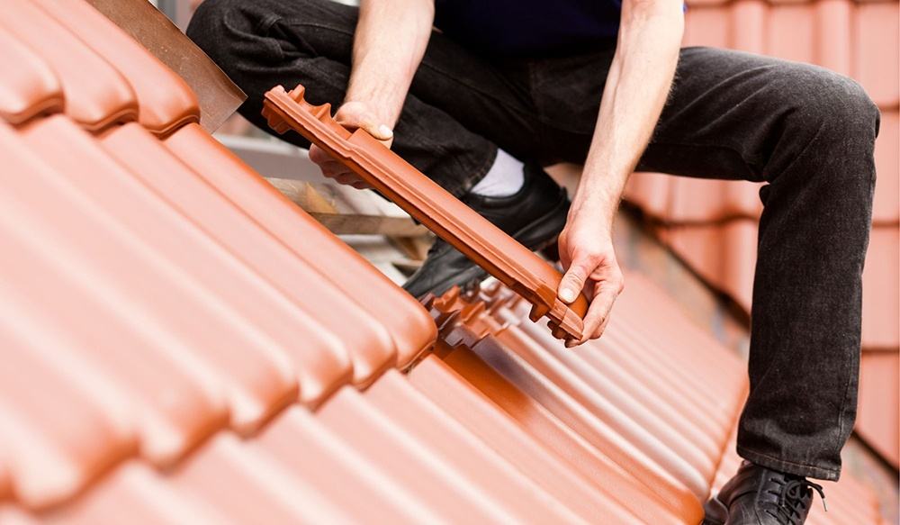 Roof tiles can become projectiles
